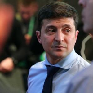 Зеленский так и не прибыл на дебаты с Порошенко