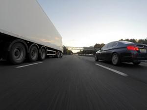 «Автодор» увеличил тарифы на проезд по платным трассам Для владельцев транспондеров T-pass предусмотрена скидка.