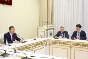 В режиме видеоконференцсвязи представители Министерства культуры России, главы регионов, деятели культуры обсудили актуальные вопросы государственной поддержки театрального искусства.