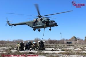 В Самарской области специальные подразделения Росвардии отработали навыки беспосадочного десантирования