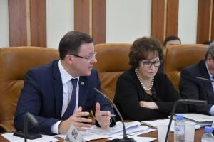Дмитрий Азаров подчеркнул, что многие задачи развития строительной отрасли будут решаться в рамках нацпроектов. Одна из ключевых задач - увеличение темпов строительства.