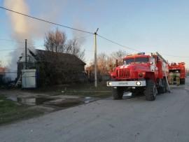 В Пестравке Самарской области ночью горел частный дом, есть погибшие