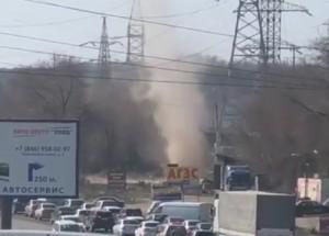 Очевидцы сняли на видео торнадо на Ракитовском шоссе в Самаре
