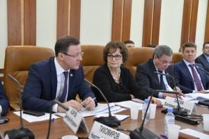 Губернатор Дмитрий Азаров подчеркнул: многие задачи развития строительной отрасли будут решаться в рамках национальных проектов. Одна из ключевых задач – рост темпов строительства.