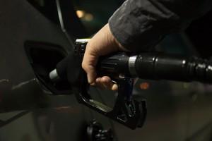 Страна перестала поставлять на Украину, в Польшу и Прибалтику бензин и дизельное топливо. Причиной названа некачественная нефть из России.