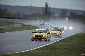 В первый гоночной день пилоты LADA Sport ROSNEFT доминировали на трассе в Грозном во всех гоночных классах, завоевав 3 победных дубля (1 и 2 места).