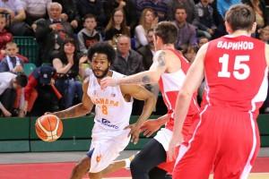 Баскетбольная «Самара» начинает финал с победы и рекорда