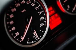 Штраф за превышение скоростного порога на 10 км/час просят ввести быстрее