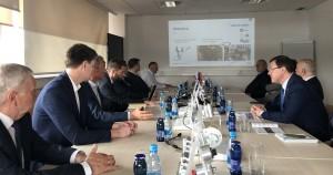 В ходе поездки особое внимание уделяется вопросам сотрудничества в сферах экономики, промышленности, высоких технологий и других перспективных направлениях.