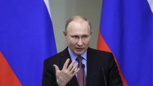 Сверхзадачей для России должно быть изменение структуры экономики для обеспечения развития на перспективу, заявил президент РФ Владимир Путин.