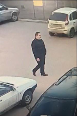 В Тольятти устанавливается местонахождение подозреваемого в грабеже