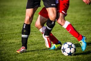 По мнению главы Чечни, российскому футболу нужно делать ставку не на легионеров, а на отечественных спортсменов. Ситуацию, когда футбол в стране зависит от игры иностранцев, Кадыров назвал абсурдной.