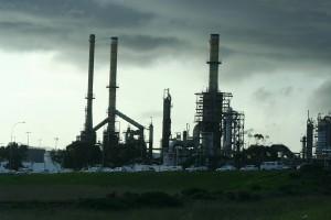 «Грязная» нефть из России за неделю «съедала» по 4–5 мм толщины стенок трубопровода, рассказал Лукашенко.