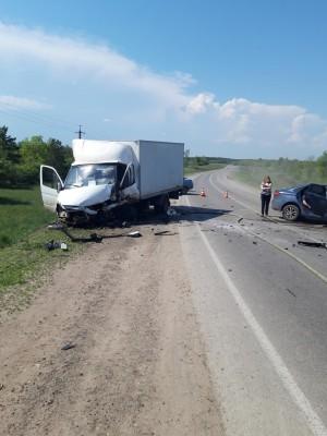 В результате ДТП водители получили травмы и были госпитализированы, 31-летняя пассажирка автомобиля «Лада Веста» направлена на амбулаторное лечение.
