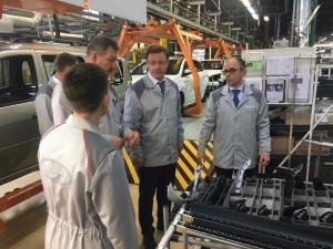 Стороны обсудили планы работы завода и совместные проекты.