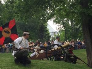 В ней приняли участие более 80 человек. Это члены болгарского национального движения «Традиция», представители военно-исторических клубов Самары, Москвы, Санкт-Петербурга, Орла.