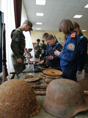 Участники из 10 городов и районов Самарской области показывали мастерство военной подготовки, умение решать логические задачи, знание истории России.