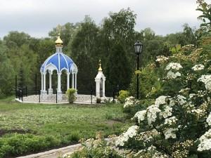 Дмитрий Азаров и митрополит Самарский и Тольяттинский Сергий проведут совещание по развитию Троицкого монастыря и святого источника