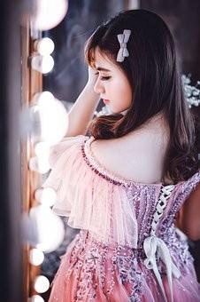 В Самаре выпускное платье стоит в среднем 3 350 рублей