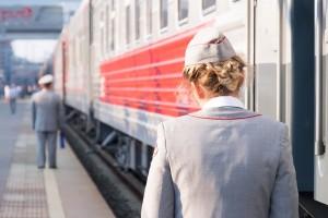 Многодетным семьям будет предложена скидка 20% на проезд в купейных вагонах поездов внутригосударственного сообщения отправлением в июне-июле (взрослым и детям в возрасте от 10 до 17 лет).