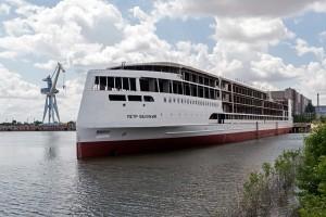 Достраивать судно будут уже на воде. Планируется, что оно будет работать под брендом «Мостурфлота».