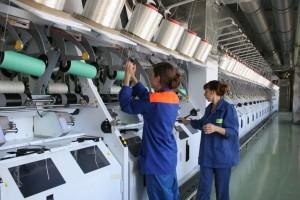 Дмитрий Азаров поздравил работников нефтехимической отрасли с праздником