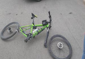 В Самаре иномарка сбила велосипедиста