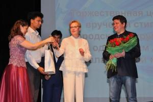 Денис Мацуев поздравил талантливых самарских детей, получивших стипендии от главы города Елены Лапушкиной