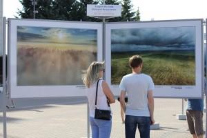 В Самаре в День России торжественно открыли уникальную фотовыставку
