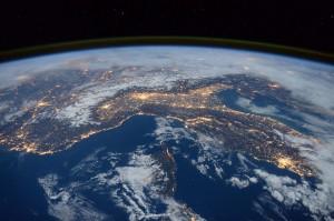 Молодые ученые из 23 стран будут работать над проектами космических миссий для наноспутников.
