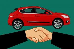 Сейчас при покупке автомобиля с пробегом новый владелец может оставить госномера прежнего владельца.
