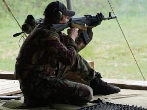Самарский спецназ отличился на чемпионате Росгвардии по стрельбе из боевого оружия На тактико-специальном полигоне собрались около 120 стрелков.