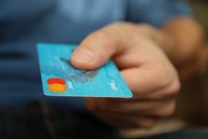 Сбербанк запускает сервис переводов с кредитных карт
