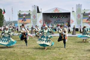 В празднике приняли участие Дмитрий Азаров и Президент Республики Татарстан Рустам Минниханов. Всего в Сабантуе приняли участие более 20 тысяч человек из 24 субъектов страны.