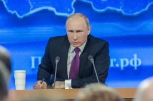 Возбуждать уголовное дело против грузинского журналиста также не нужно, считает Владимир Путин. «Много чести», — прокомментировал он эту идею.