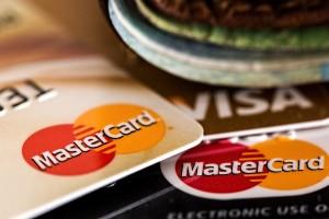 Госдума рассмотрит поправки в закон «О национальной платежной системе». Если их примут, судьба Visa и MasterCard в России будет под вопросом.