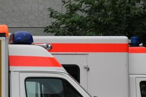 Водитель легковушки попытался предотвратить столкновение с КамАЗом и протаранил велосипедистов.