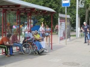 В Самаре два пляжа, на которых могут отдыхать инвалиды-колясочники. Доехать можно только на назкопольном автобусе, следующем по 61-му маршруту.