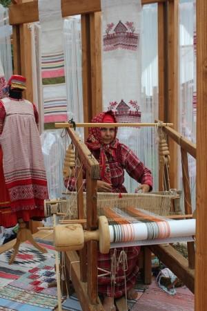 Это серия этнографических экспедиций, результатом которых станут 14 видеофильмов о культуре и традициях народов, проживающих в Приволжском федеральном округе.