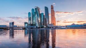 В столице России сейчас живет 71 человек с состоянием $1 млрд и выше, что больше, чем в Лос-Анджелесе, Токио и Париже вместе взятых.
