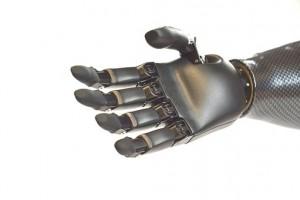 Американские ученые разработали протез, оснащенный обратной биологической связью