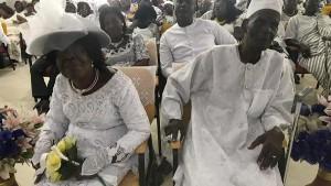 В Гане 96-летний местный житель женился на женщине, которая младше него всего на три года