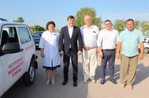 По словам самой Аллы Митяевой, уже много лет являющейся единственным фельдшером на несколько населенных пунктов, автомобиль медицинскому пункту был просто необходим.