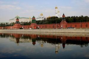 Тем не менее действия силовиков по пресечению беспорядков в Москве на митингах в Кремле считают «абсолютно оправданными.