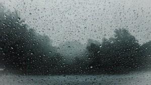 Жителей Сочи в эти выходные ожидают дожди, смерчи, грозы и резкий подъем уровня воды в реках. Власти города готовятся к эвакуации людей из особо опасных районов