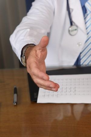 Прием врача онколога осуществляется строго по предварительной записи.