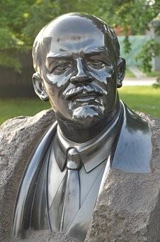 В Жигулевске разразился скандал из-за информации о сносе памятника Ленина