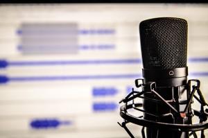 Ранее в интернете появилась аудиозапись, на которой женский голос оскорбляет жертв паводка в Иркутской области, называя их бичевней.