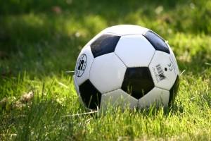 Спортивный наставник выразил уверенность, что футболистам не составит труда вернуться в большую игру.