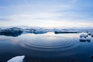 Как уточняют эксперты, меньше всего льда было в море Бофорта, Чукотском море и Восточно-Сибирском морях.